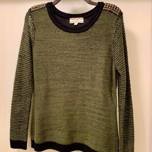 Beautiful Army Green Sweater With Shoulder Detail
